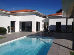 Maison constuite avec piscine